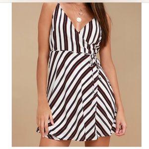 New - Stripped wrap dress